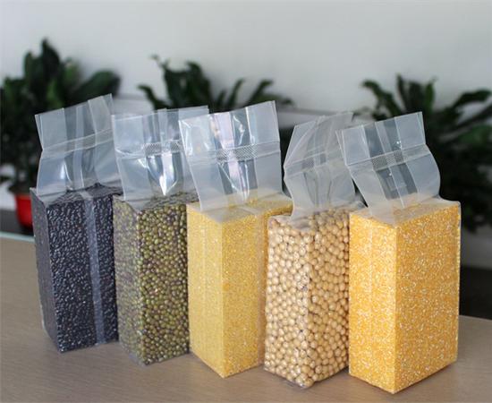 Đóng gói gạo dạng gạch
